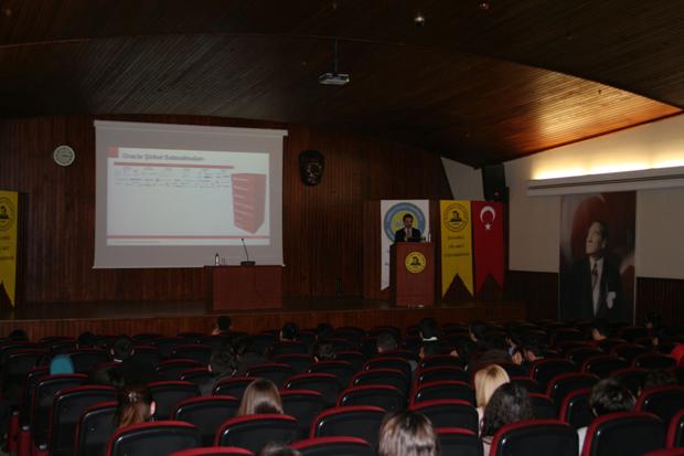 Fatih_Tufekcioglu_Oracle_Event_Istanbul_Ticaret_Universitesi_2